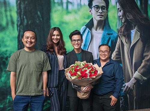 """Hà Anh Tuấn tự nhận """"ế show"""", chỉ trả cát-sê cho Thanh Hằng... 1 bó hoa-9"""