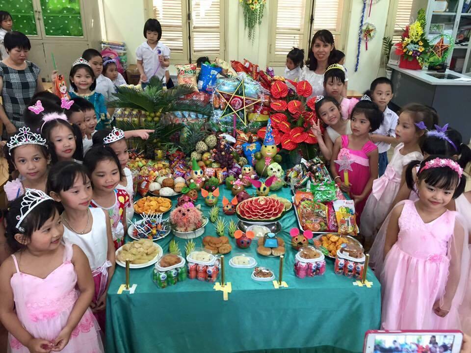 me u40 tro tai bay mam co cho con hut nghin like - 12