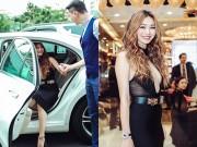 Làng sao - Khánh My diện váy xẻ bạo, đi xế sang dự sự kiện