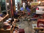 Tin tức - Ô tô lao vào quán ăn đêm, người bị thương nằm la liệt
