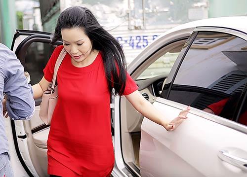 trinh kim chi lai xe hop 5 ty chong tang di lam giam khao - 3