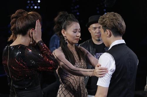 """vietnam idol: thu minh hon nam thi sinh vi ban """"quoc ca danh cho ca si"""" - 20"""