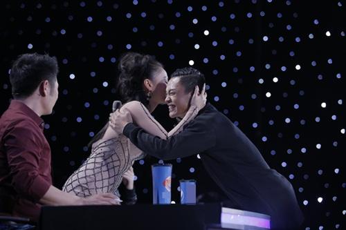 """vietnam idol: thu minh hon nam thi sinh vi ban """"quoc ca danh cho ca si"""" - 5"""