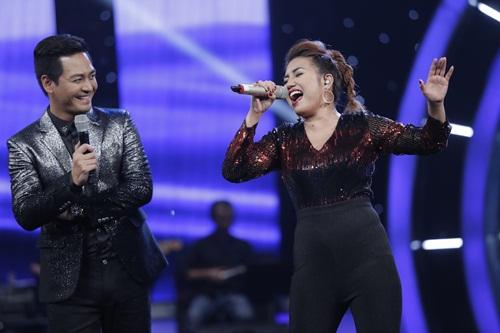 """vietnam idol: thu minh hon nam thi sinh vi ban """"quoc ca danh cho ca si"""" - 14"""