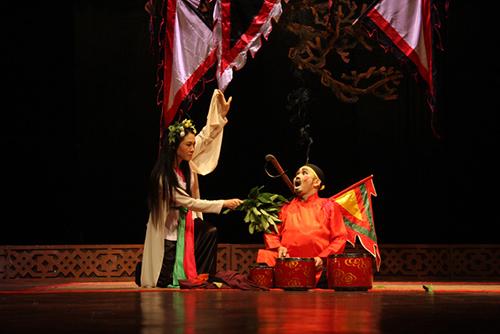 """dao dien le hung: """"khan gia yeu xuan hinh den do bam theo ca vao… nha ve sinh"""" - 3"""