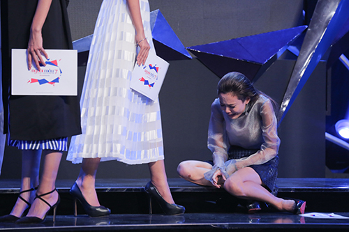 vietnam's next top model: fung la khoc vat va khi thuy tram bi loai - 4