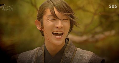 """nguoi tinh anh trang tap 9: lee jun ki khang dinh """"chu quyen"""" voi iu - 3"""