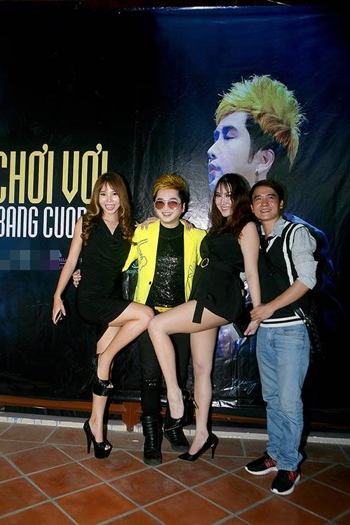 """phi thanh van day dan, mat """"khac la"""" den chuc mung bang cuong - 3"""