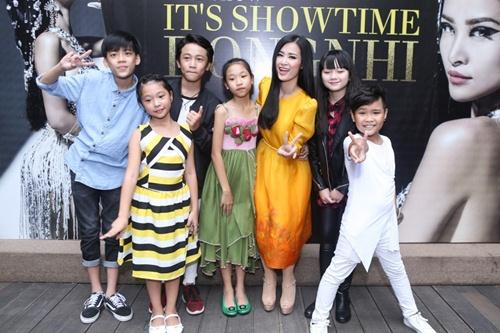 dong nhi lam liveshow dau tien sau 8 nam vao showbiz - 2