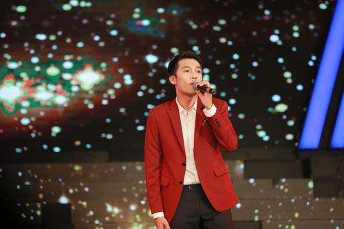 """nguoi nghe si da tai: me hung thuan bat khoc khi xem con trai dien lai """"dat phuong nam"""" - 17"""