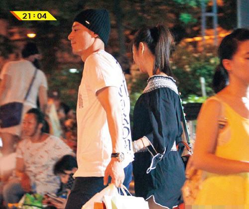 "song xa chong, lam tam nhu trai long: ""khong co gi thay doi ngoai than phan"" - 4"