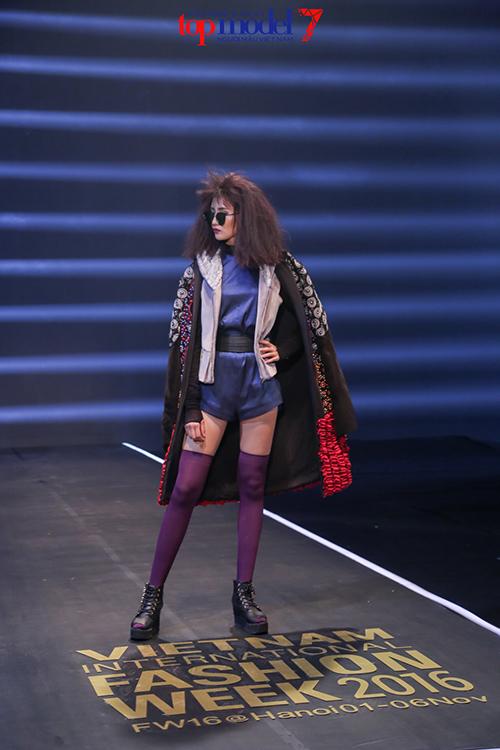 top 7 next top model vut ao, catwalk nguoc khi quay quang cao - 3