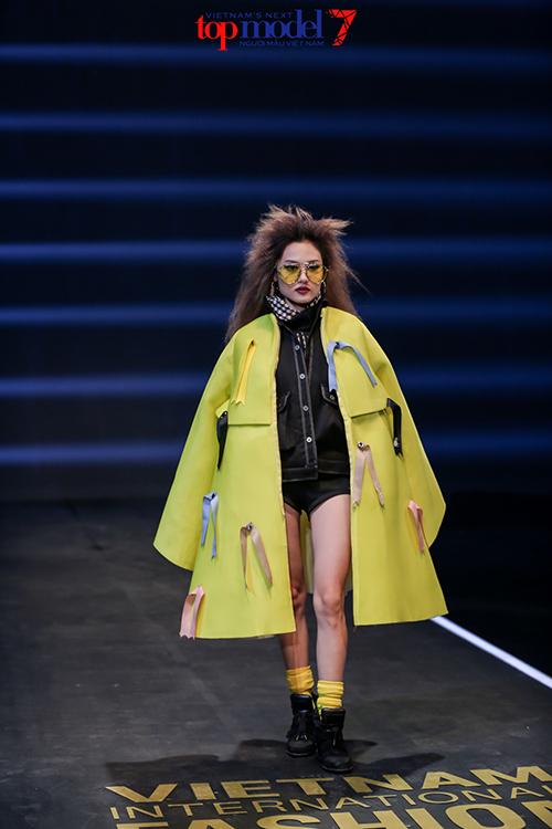 top 7 next top model vut ao, catwalk nguoc khi quay quang cao - 7