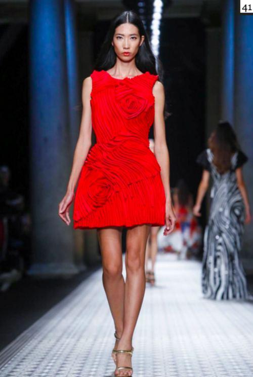 le thuy va trang pham lam nen lich su tai milan fashion week - 6