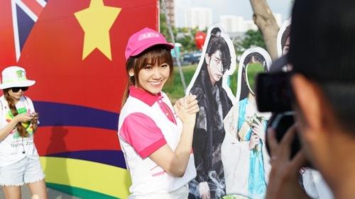 hari won tuoi tan chay bo va mua hat giua nghin nguoi - 5