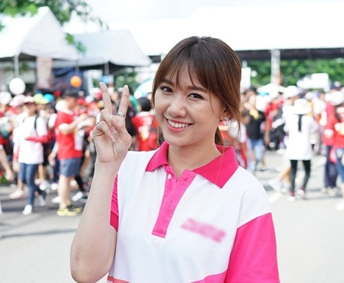hari won tuoi tan chay bo va mua hat giua nghin nguoi - 2