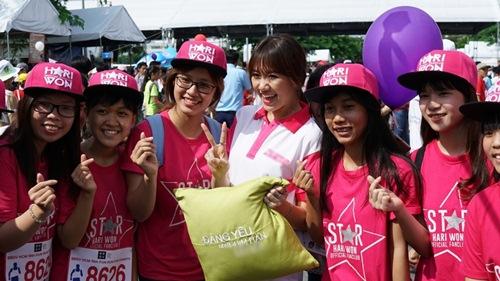 hari won tuoi tan chay bo va mua hat giua nghin nguoi - 6