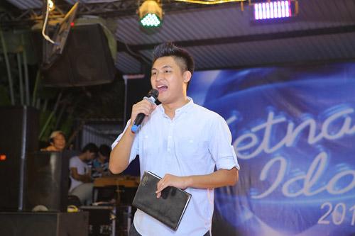 vietnam idol: nguoi dep philippines bat khoc khi ve ben me chong viet - 16
