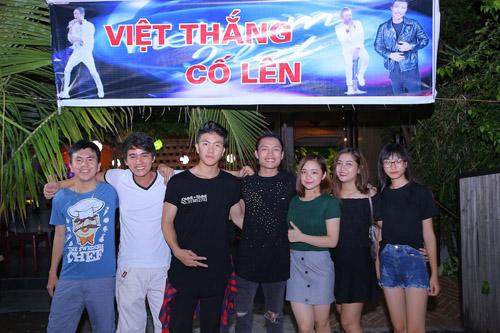 vietnam idol: nguoi dep philippines bat khoc khi ve ben me chong viet - 15
