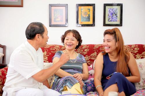 vietnam idol: nguoi dep philippines bat khoc khi ve ben me chong viet - 6