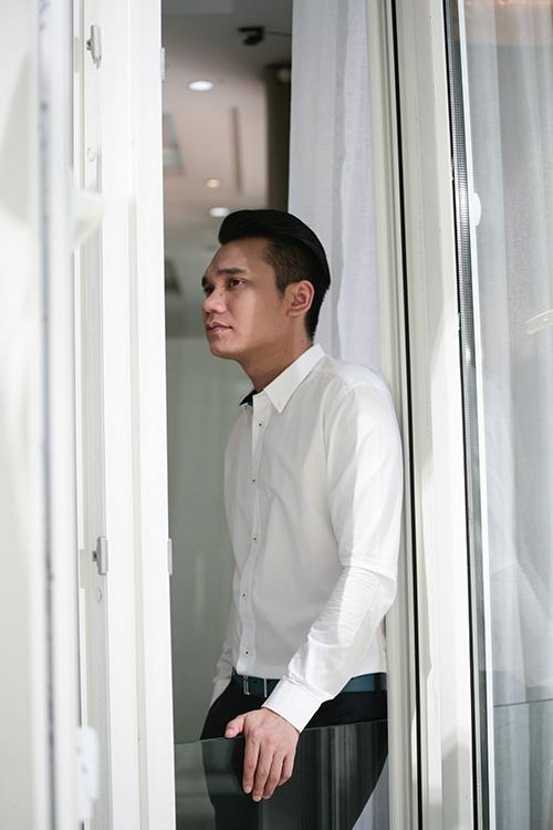 "bi phan boi, khac viet dau don nhuong ""vo sap cuoi"" cho vu duy khanh - 2"