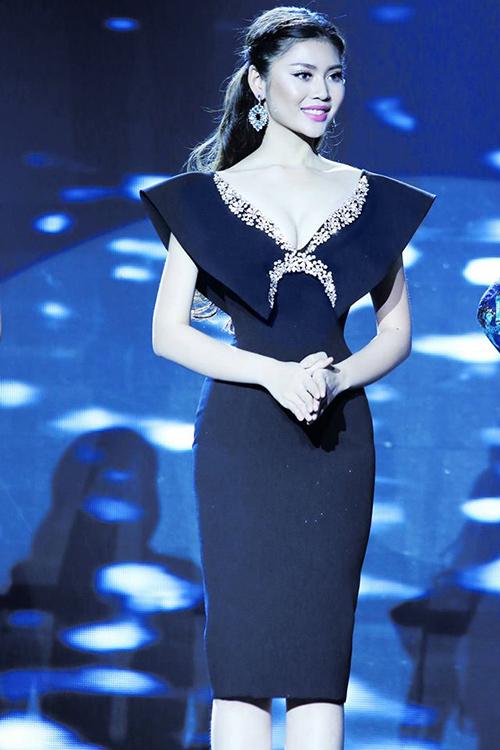 "vn next top model: ly qui khanh bien mat khoi ghe nong vi ""bat ca hai tay""? - 5"