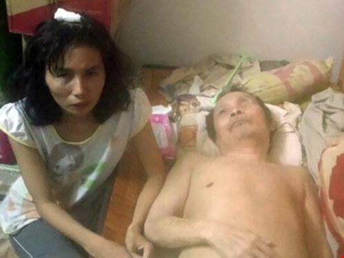 cong an nam toc keo le nguoi phu nu ban hang rong - 2