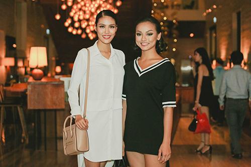 lan khue, mai ngo cung nhau tap catwalk chuan bi dien elle show - 1