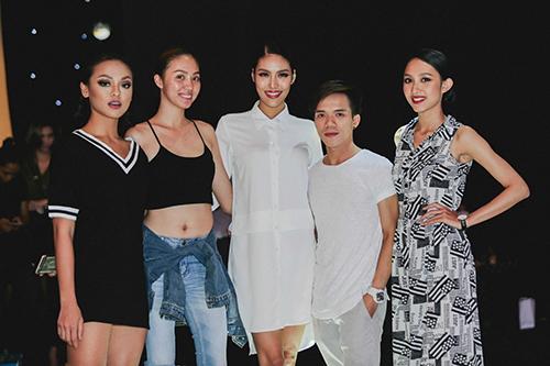 lan khue, mai ngo cung nhau tap catwalk chuan bi dien elle show - 2
