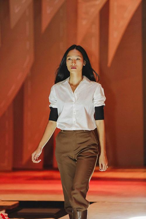 lan khue, mai ngo cung nhau tap catwalk chuan bi dien elle show - 6