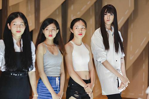 lan khue, mai ngo cung nhau tap catwalk chuan bi dien elle show - 7