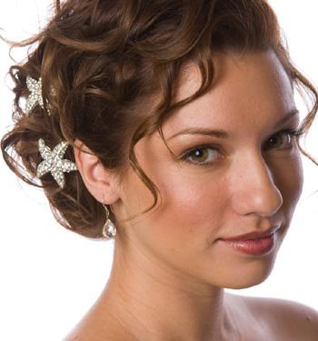 Chọn phụ kiện đẹp cho tóc cô dâu - 1