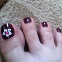 Vẽ nail cho chân xinh