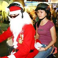 Dịch vụ thuê người yêu đi chơi Noel hút khách