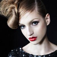 3 phong cách tóc và trang điểm cho đêm Giáng sinh