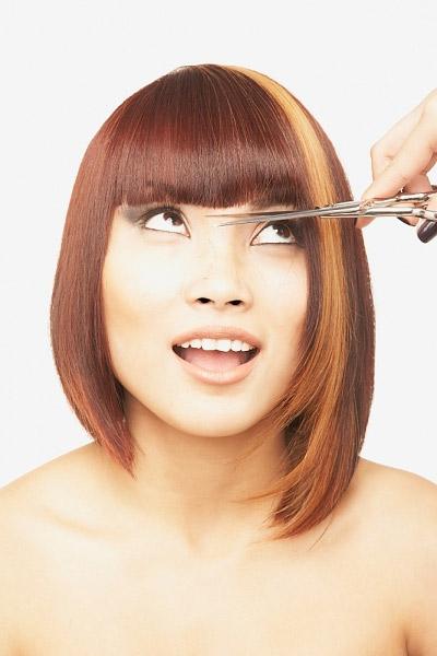 Video làm đẹp: Hướng dẫn cách cắt tóc mái - 1