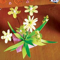 Cách làm bình hoa giấy nhỏ xinh