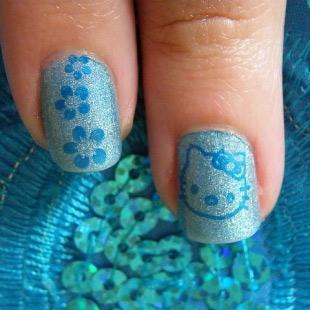 Dễ thương mẫu nail Hello Kitty 2011 - 10