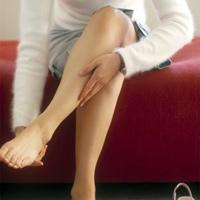 Tại sao tay chân hay bị tê như kiến bò?