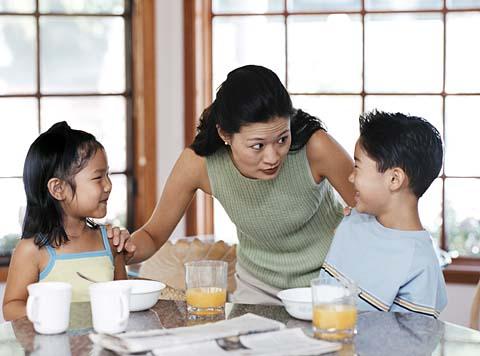 8 chiêu khiến con trẻ vâng lời 'răm rắp' - 1