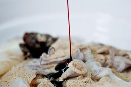 Nóng hổi, cay ngọt món mực ống xốt - 5