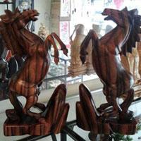 Thú chơi tượng gỗ nghệ thuật đầy thú vị
