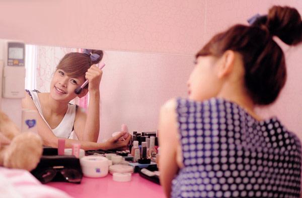 Hot girl Chi Pu khoe căn phòng nữ tính - 5
