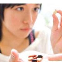 Khi uống thuốc tẩy giun có được uống thuốc khác không?