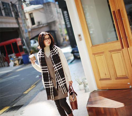 Các mẫu khăn quàng tuyệt đẹp ngày lạnh - 24