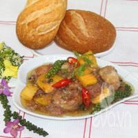 Gà nấu tiêu xanh, món ăn mới lạ