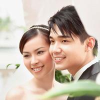 Dở khóc dở cười chuyện trang điểm cô dâu ngày cưới