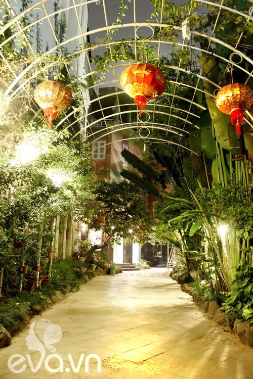 """Khoe nhà: Biệt thự xinh có vườn siêu """"lung linh"""" - 1"""