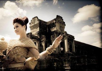 Chồng Vũ Thu Phương thuộc hoàng tộc Campuchia - 4