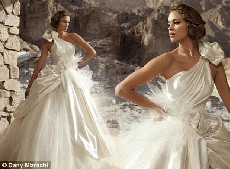 """""""Nghía"""" bộ ảnh cưới đẹp tuyệt trần của bạn gái C.Ronaldo - 1"""